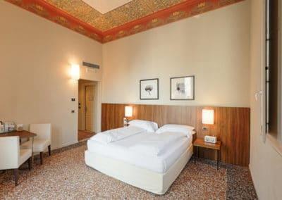 Camera Deluxe con Balcone - Camera - I Portici Hotel Bologna